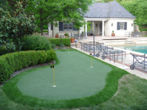Bryn Mawr, PA artificial turf golf green with first cut fringe